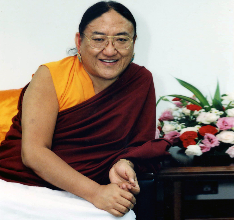 His Holiness the Sakya Trichen Personal Website - His